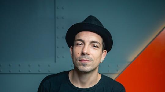 Faustão entrega nome do novo álbum de Di Ferrero no 'Show dos Famosos': 'Sinais'