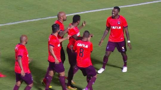 Bola aérea e desfalque: defesa do Vitória cai de produção e sofre 14 gols em 7 jogos