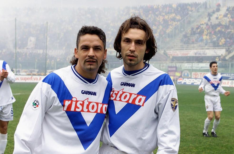 Andrea Pirlo começou sua carreira como jogador no Brescia ao lado de Baggio e treinado por Mircea Lucescu — Foto: Getty Images