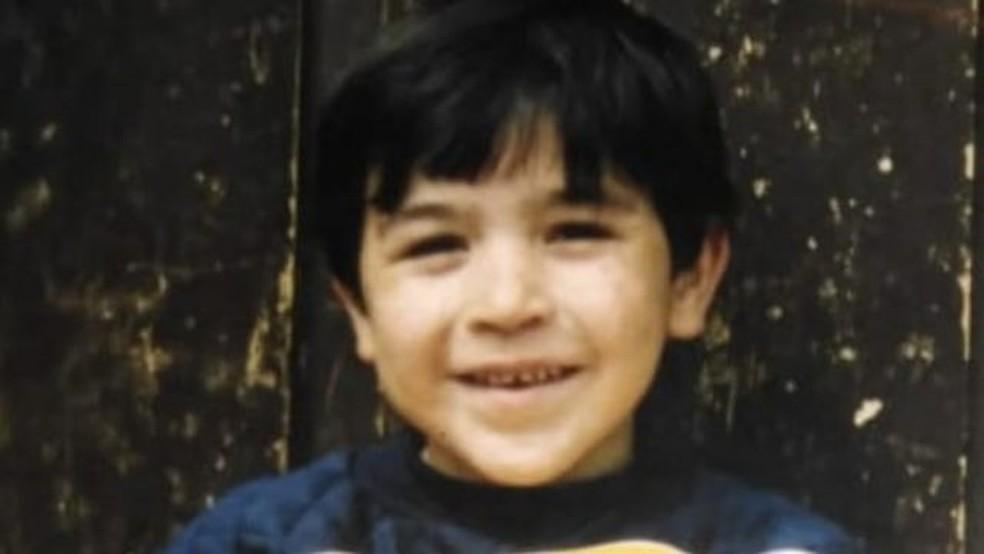 Gabriel foi diagnosticado com artrite reumatoide juvenil quando tinha 10 anos de idade — Foto: GABRIEL ROA/Arquivo Pessoal