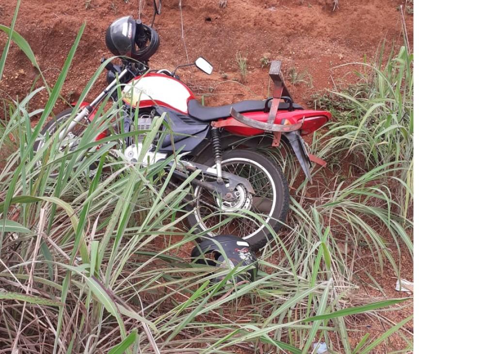 Moto furtada foi recuperada na ação — Foto: Divulgação/4ª CIPM