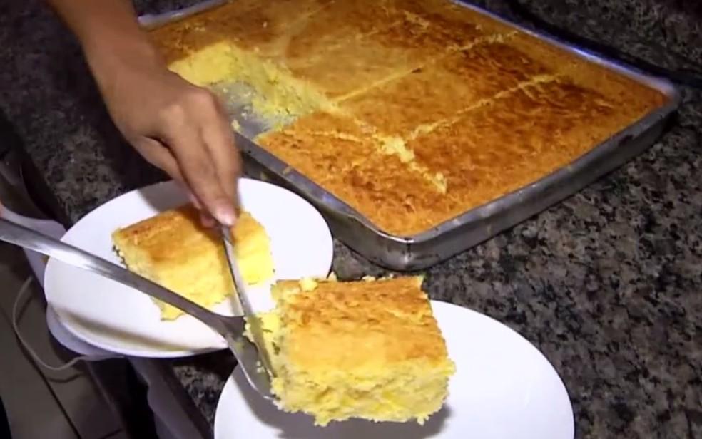 Bolo de milho cremoso é especialidade de comerciante de Araguaína, Goiás — Foto: Reprodução/TV Anhanguera