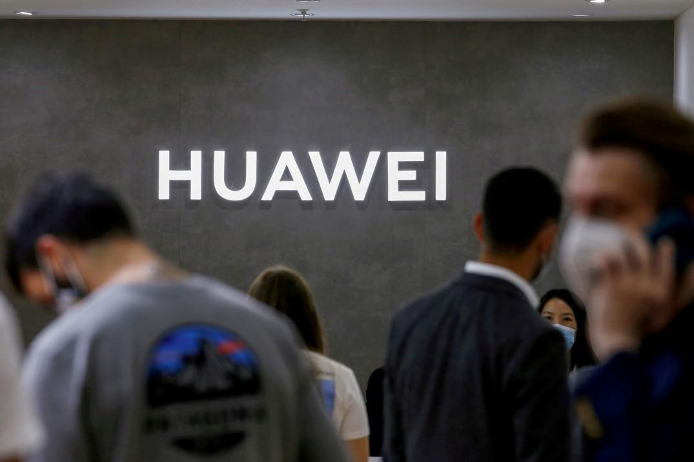 Logo da Huawei na feira de tecnologia IFA em Berlim, na Alemanha
