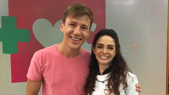 Claudia Ohana declara torcida para Renata Dominguez no 'Super Chef'
