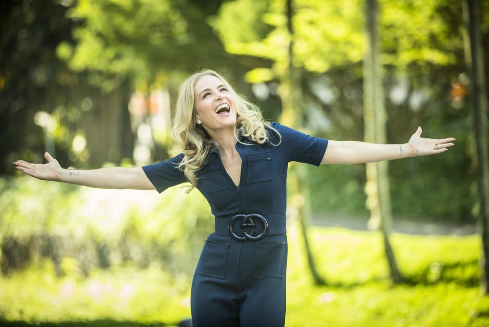 Angélica volta à TV para falar de bem-estar, felicidade e fazer reflexões sobre temas universais no 'Simples Assim' — Foto: Globo/João Miguel Júnior