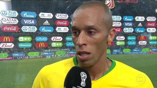 """Miranda, sobre  gol suíço: """"Se tivesse me jogado, poderia assinalar o empurrão"""""""