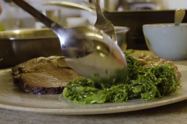 Copa-lombo, tutu de feijão e couve (Foto: GQ)