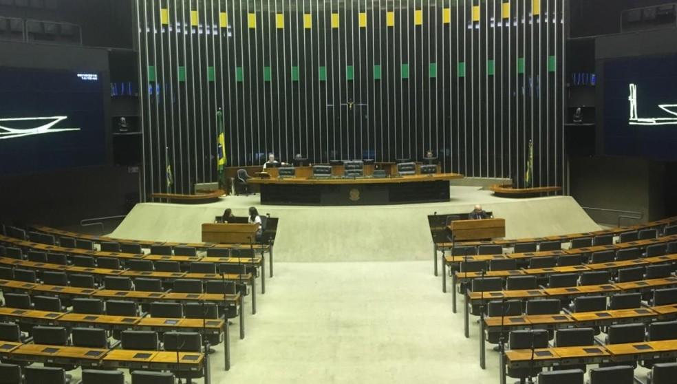 Plenário da Câmara durante a sessão desta segunda-feira (8) — Foto: Fernanda Vivas/TV Globo