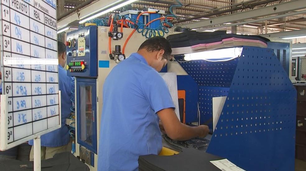f11993825 ... Indústrias calçadistas de Birigui (SP) registraram aumento no número de  exportações — Foto:
