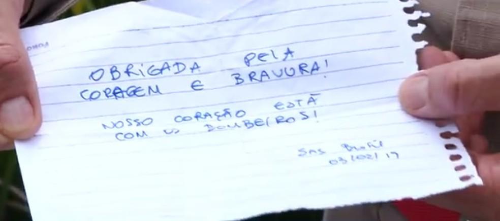 Moradores de Brumadinho deixaram um bilhete de agradecimento aos bombeiros do Paraná — Foto: Reprodução/RPC