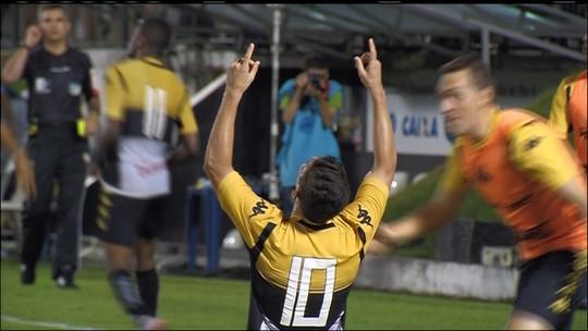 """Com cãibras, Natan garante empate do Criciúma e diz: """"Foi um milagre"""""""