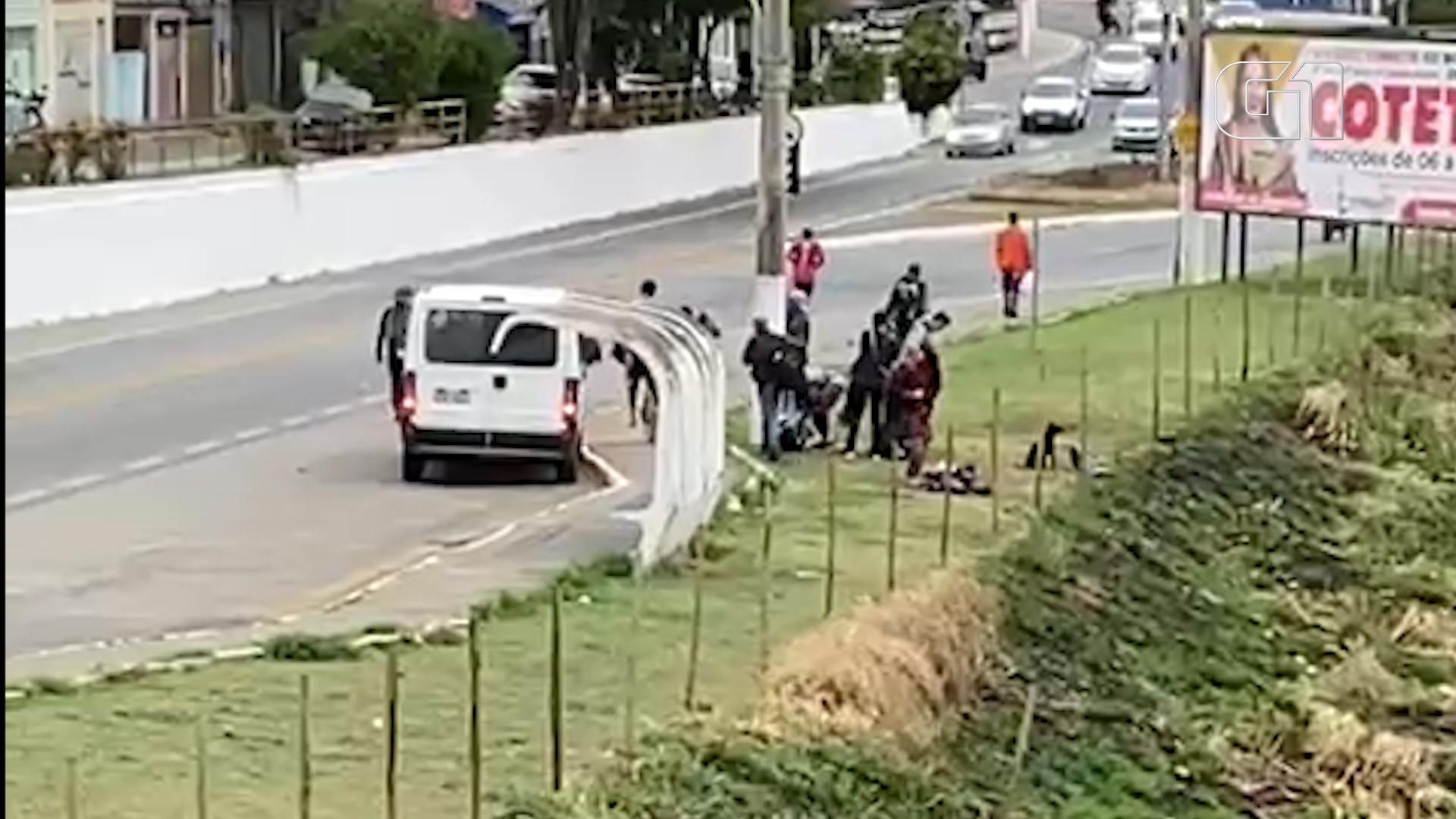 Prefeitura de Taubaté registra BO após van da Prefeitura de Ubatuba ser flagrada deixando moradores de rua em estrada