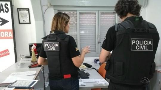 Polícia investiga fraudes na emissão de laudos para produzir placas no padrão Mercosul no RS