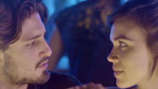 Teaser: Rafael pergunta a Leila se está tudo acabado entre eles