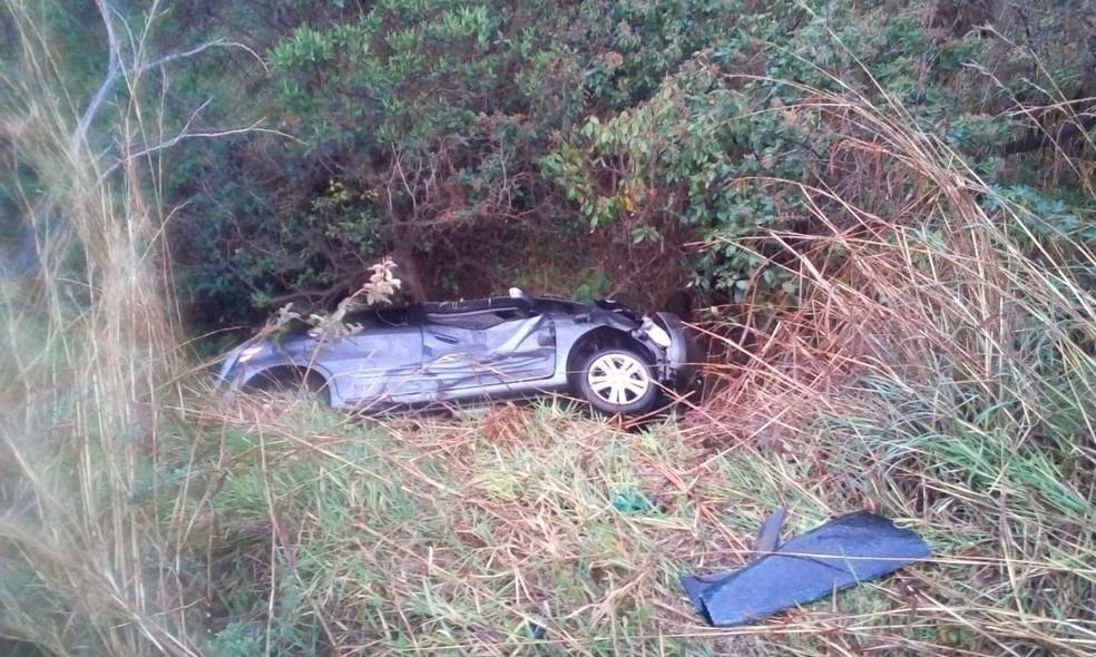 Carro da família de Campinas que se acidentou em rodovia de MG; três pessoas morreram e uma criança sobreviveu. — Foto: Arquivo pessoal