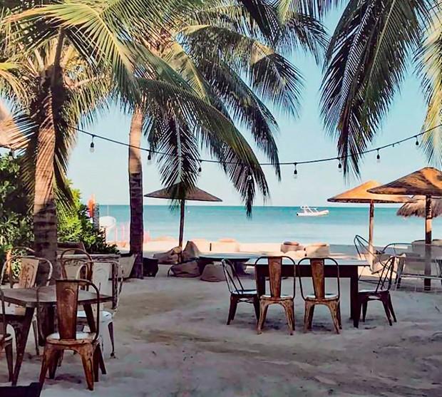 Beach club do Casa las Tortugas: para relaxar e tomar drinques à beira-mar (Foto: Divulgação)