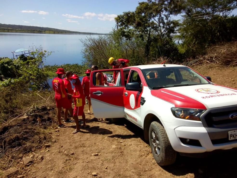 Bombeiros fazem buscas por desaparecidos no Rio Paraguaçu — Foto: Corpo de Bombeiros