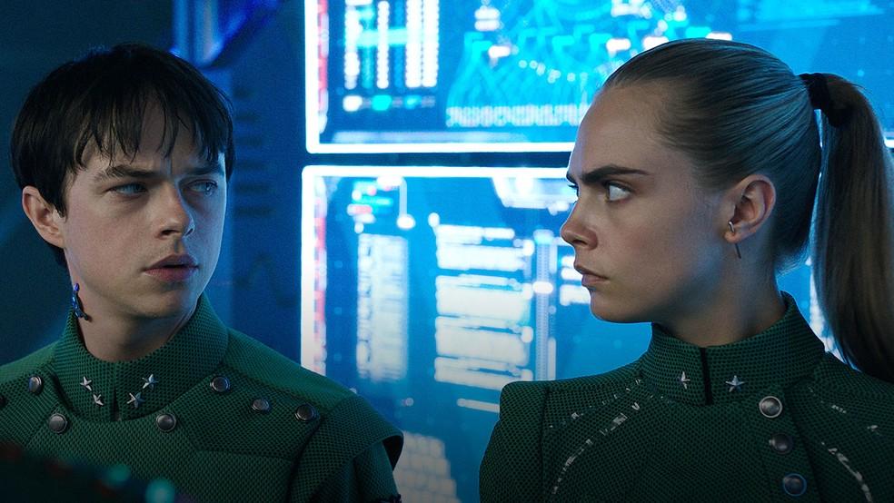 Dane DeHaan e Cara Delevingne em cena de 'Valerian e a cidade dos mil planetas' (Foto: Divulgação)
