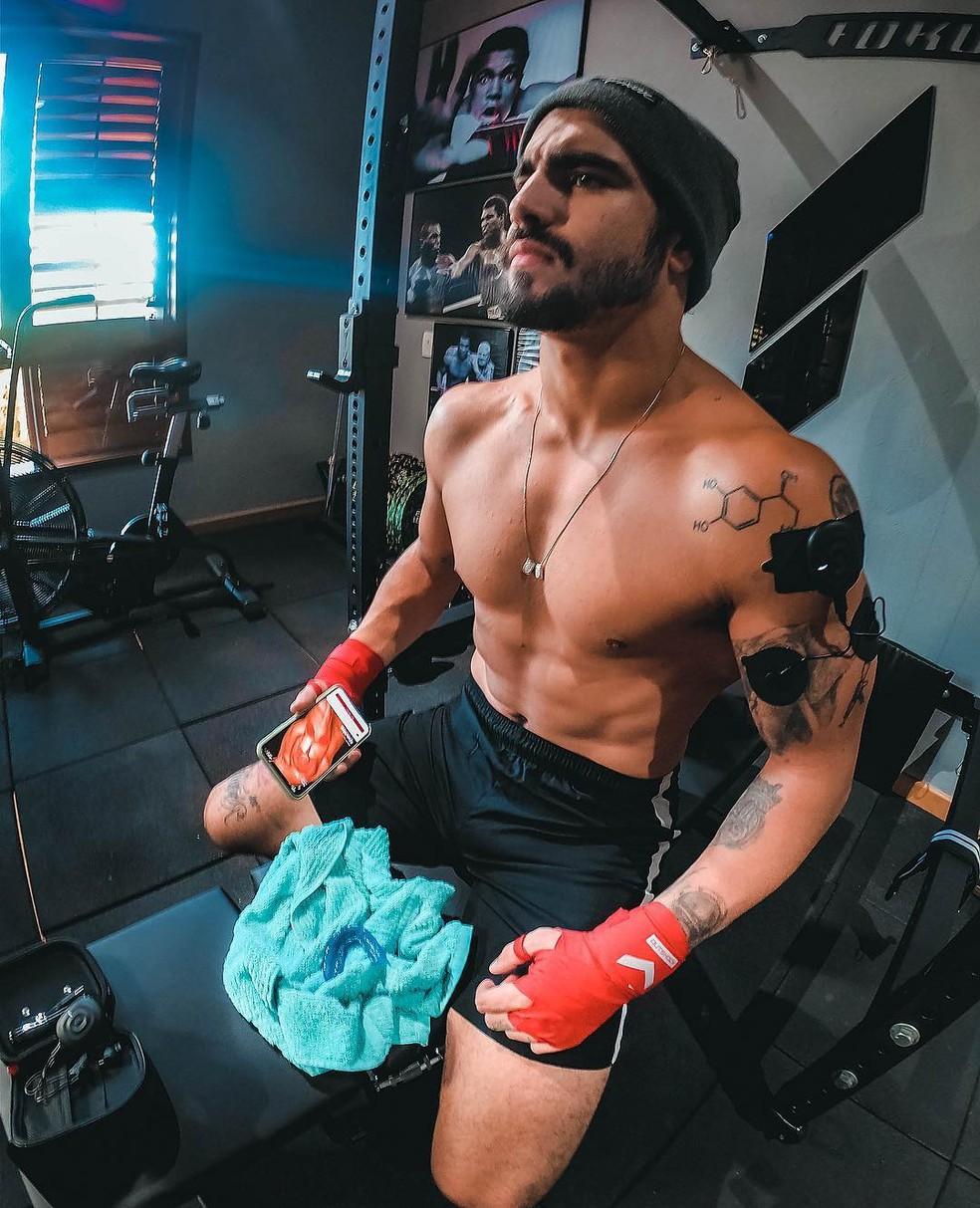 O corpo sarado é resultado de treinos constantes de boxe — Foto: Reprodução/Instagram