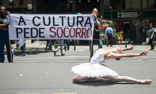 Protesto dos servidores e artistas do Municipal