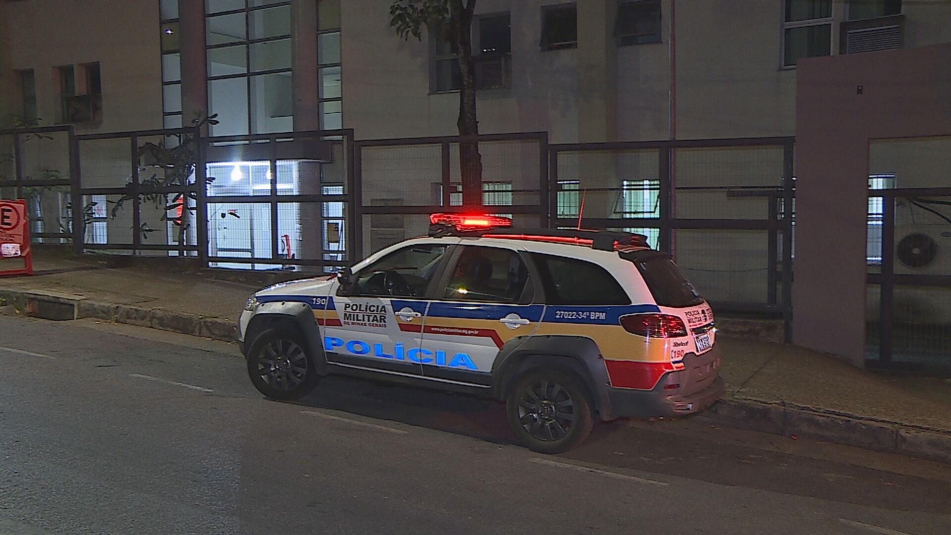 Mulheres são presas suspeitas de arrombar carros para furtar objetos em BH