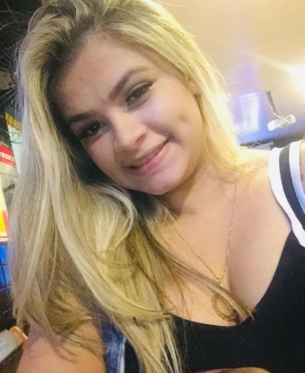 Vítima do crime, Leandra Gennifer da Silva tinha de 22 anos de idade — Foto: Reprodução/Instagram