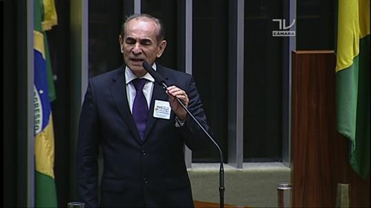 Marcelo Castro discursa na sessão que elegerá novo presidente da Câmara dos Deputados