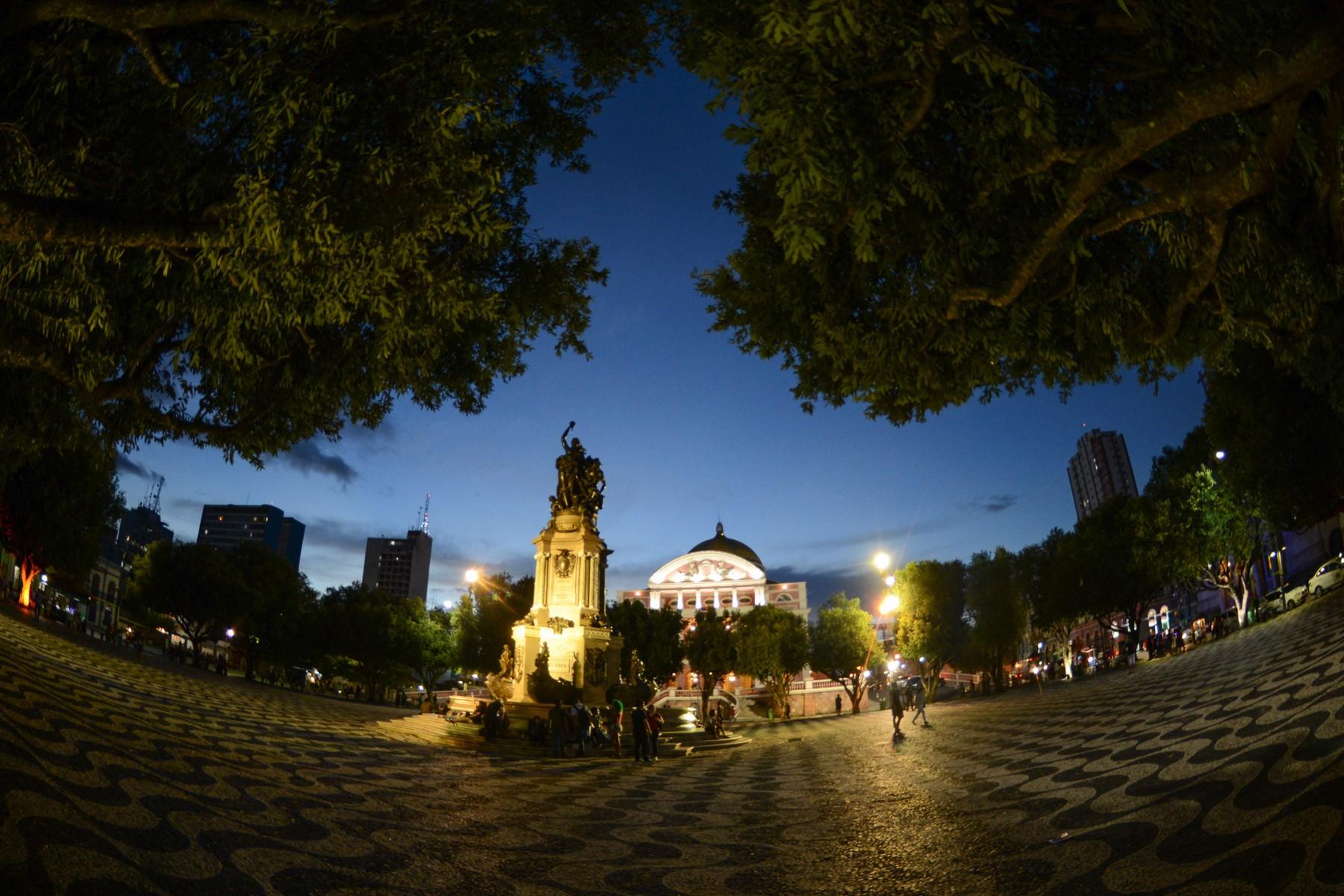Oficina de Teatro, peça e exposição de fuscas antigos acontecem neste fim de semana em Manaus