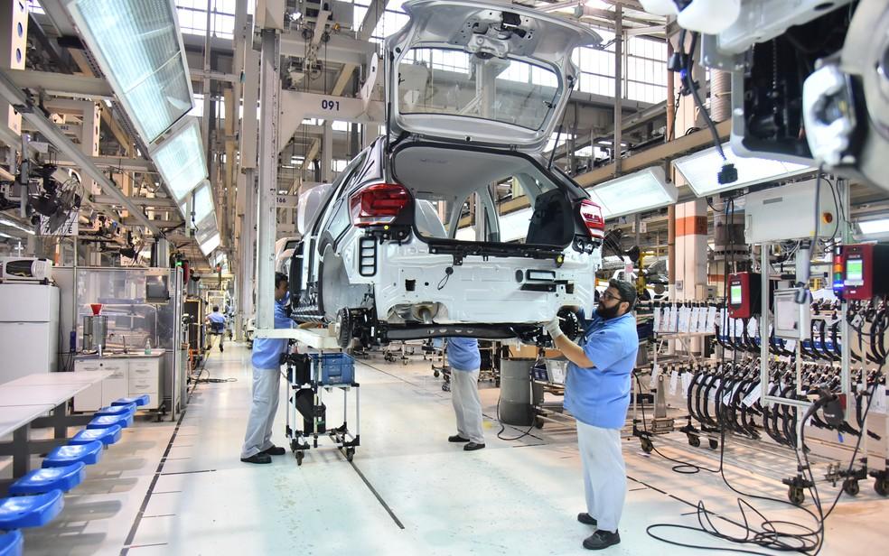 Linha de montagem do novo Polo na fábrica da Volkswagen em São Bernardo do Campo, SP (Foto: Divulgação)