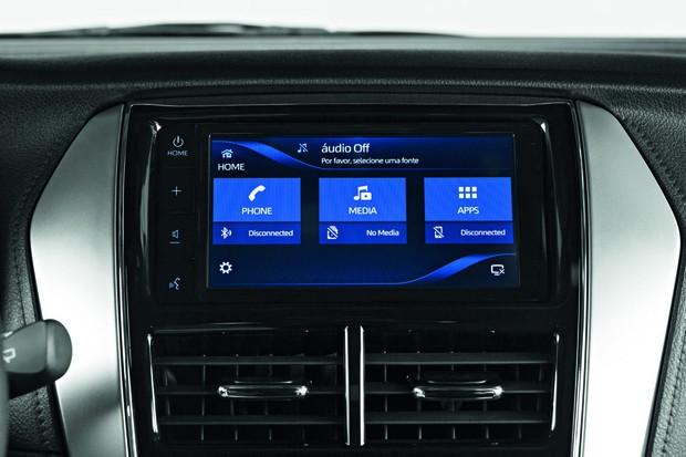 Toyota Yaris 2020 - Central Multimídia é equipada com Android Auto e Apple Car Play (Foto: Divulgação)