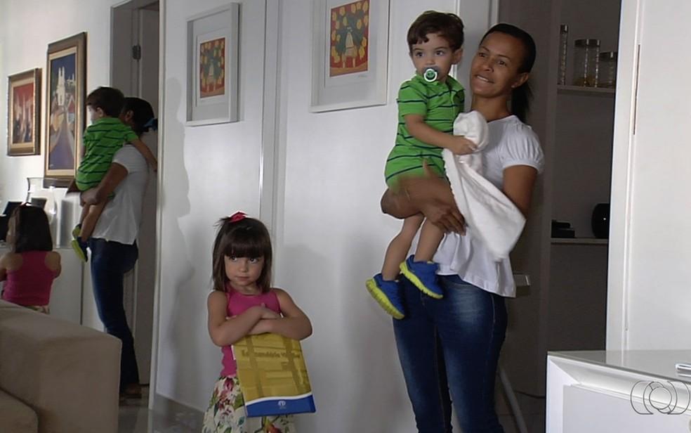 Há vaga para babá no Sine de Porto Velho (Foto: Repodrução/TV Anhanguera)