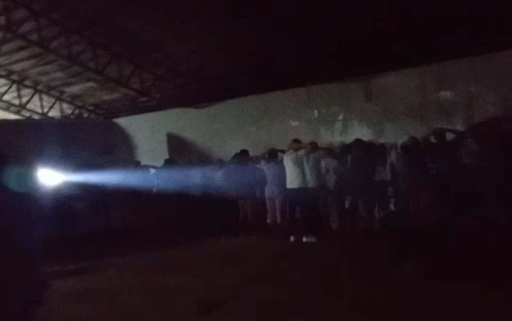Fiscais acabam com festa com mais de 100 pessoas após organizador postar vídeo nas redes sociais, em Goiânia