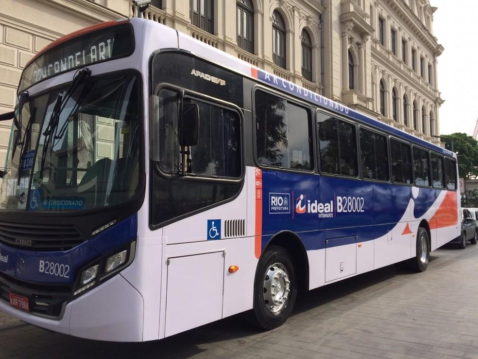 Modelo do novo ônibus que circulará no Rio a partir de 2020 (Foto: Fernanda Rouvenat/ G1)