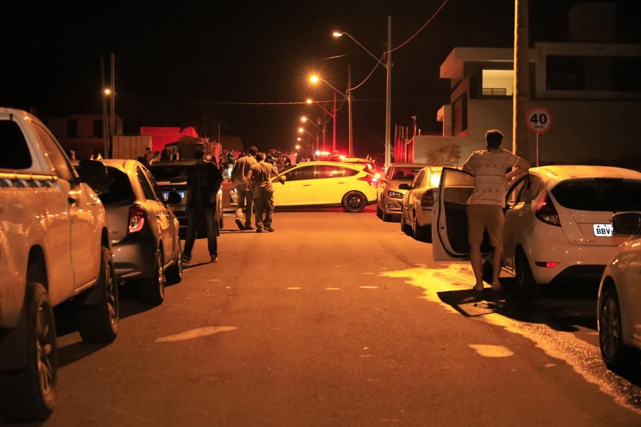 Fiscalização interrompe festa clandestina com cerca de 80 pessoas, em Maringá