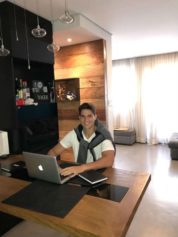 André Martinelli mostra apartamento em São Paulo (Foto: Divulgação)