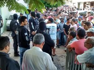 Quatro suspeitos foram apreendidos pela polícia após o crime (Foto: João Pedro/Portal Mais Castelo)