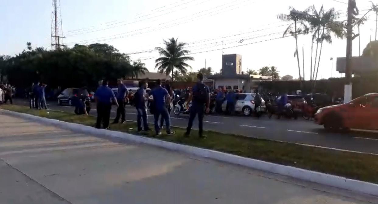 Rodoviários paralisam atividades e moradores de Outeiro, Icoaraci e Augusto Montenegro ficam sem ônibus - Notícias - Plantão Diário