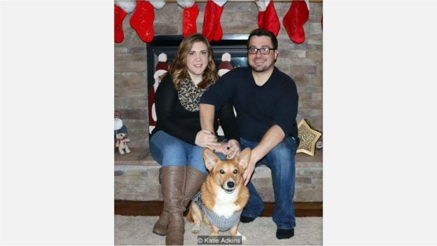 Katie Adkins ganhou dois de folga quando seu cachorro, Golias, morreu (Foto: Arquivo Pessoal)