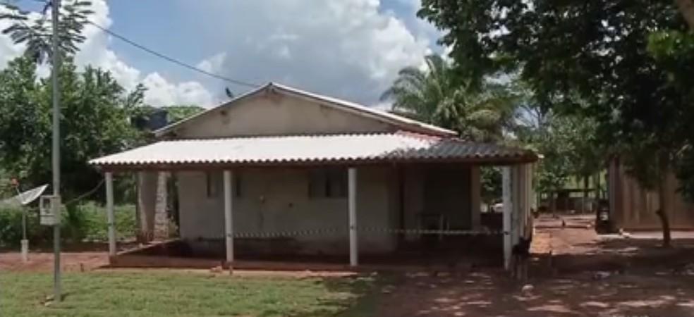 Corpo foi encontrado em sítio no município de Tangará da Serra — Foto: TVCA/Reprodução