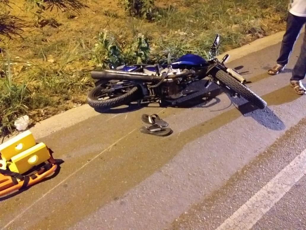Colisão entre duas motos deixa uma pessoa morta e duas feridas na AL-115, em Arapiraca, AL