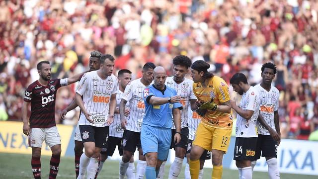 Pênalti mudou o jogo no Maracanã