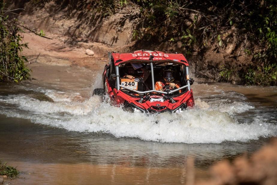Alívio, alegria e dor no corpo na aventura de Clayton Conservani como piloto do Rally dos Sertões