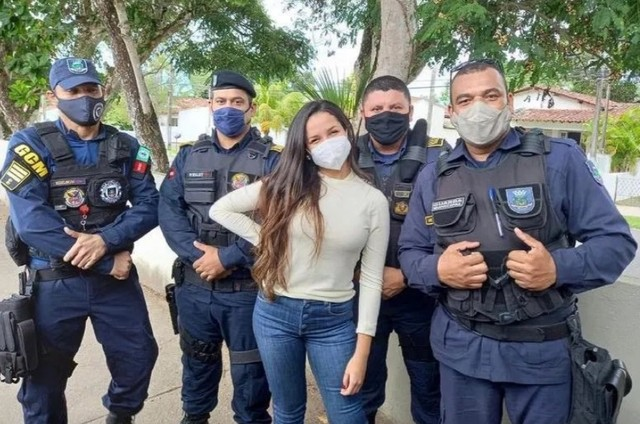 Juliette foi tietada por policiais na Paraíba (Foto: Reprodução)