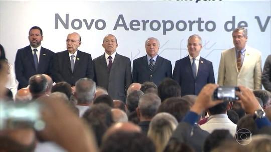 Temer participa de inauguração de aeroporto mas não comenta prisões