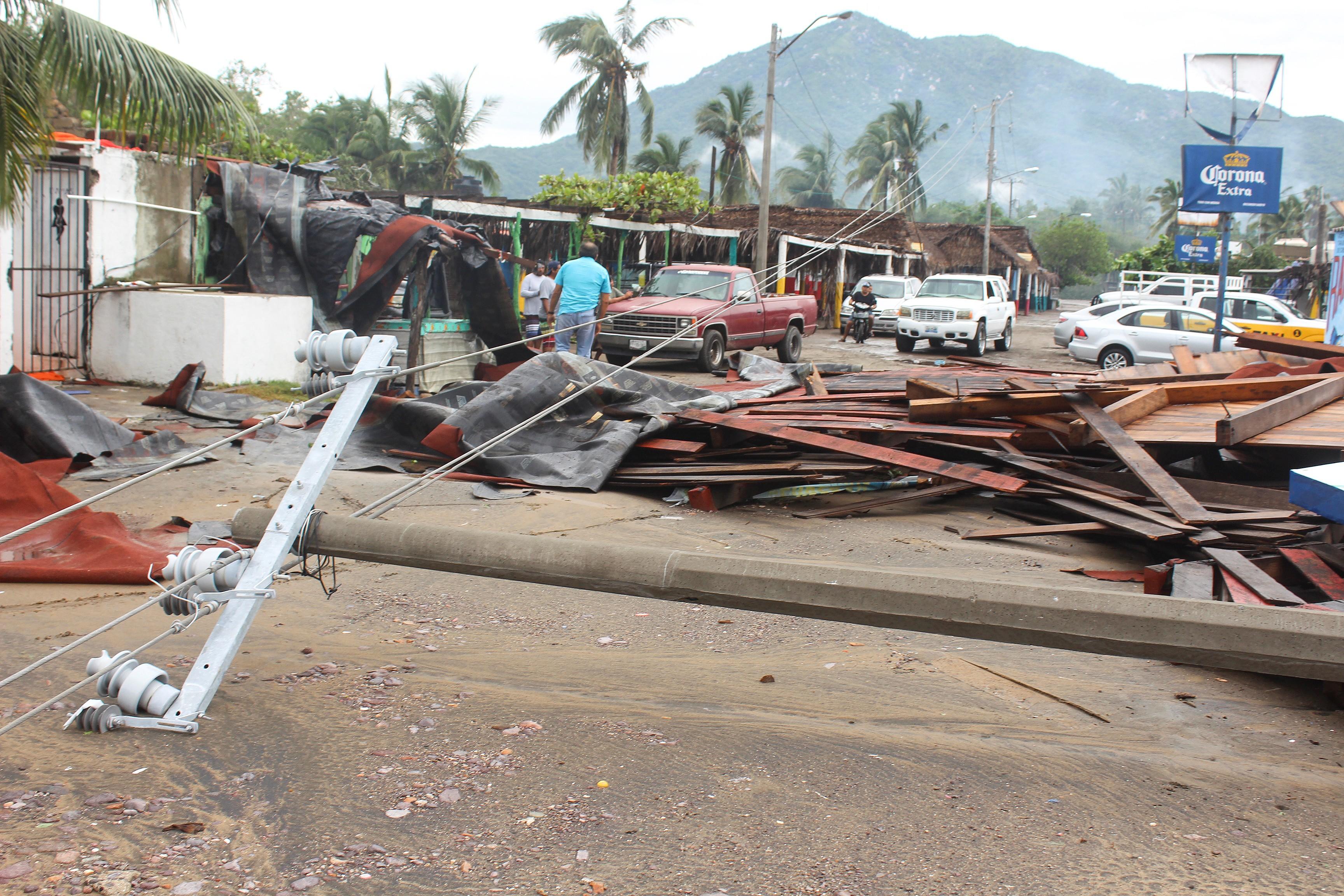 No México, península se prepara para passagem do furacão Lorena - Notícias - Plantão Diário