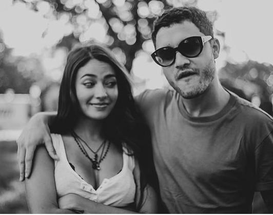 Carolina Oliveira e o namorado, o ator argentino Juan Ciancio (Foto: Reprodução/ Instagram)