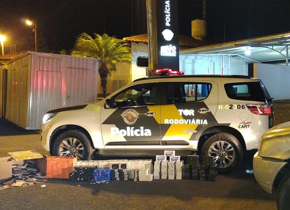 Caminhonete transportava produtos eletrônicos sem nota fiscal em rodovia de Santa Cruz do Rio Pardo (SP) — Foto: Polícia Militar Rodoviária/ Divulgação