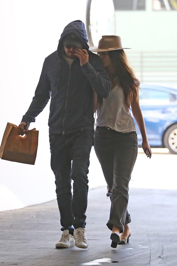 Leonardo DiCaprio e Camila Morrone (Foto: The Grosby Group)