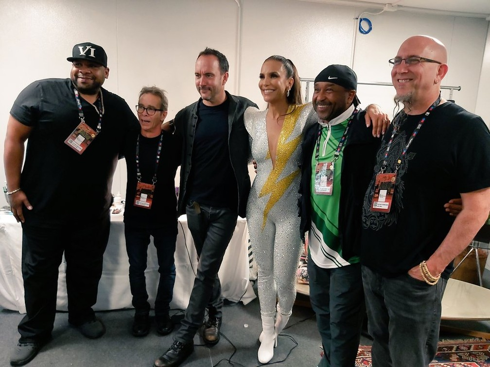 Dave Matthews Band tieta Ivete no camarim do Rock in Rio — Foto: Carol Prado/G1