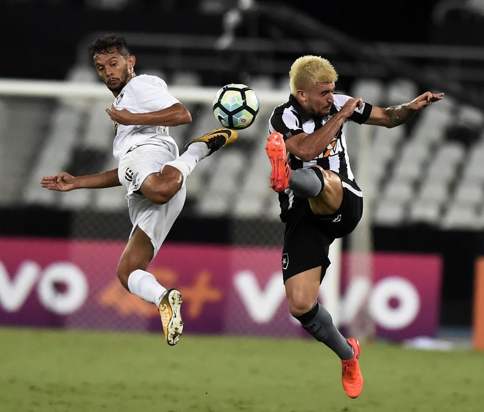 Botafogo e§a intenso entra em modo automático e sofre virada